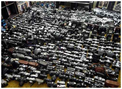 http://www.mirrorlessrumors.com/the-biggest-camera-acution-ever-over-1000-cameras-in-one-single-auction/