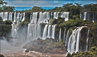 http://humptydumptyjourney.com/wp-content/uploads/2013/06/Iguazu-Waterfall-Panorama-HDR.jpg