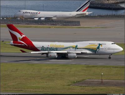 http://cdn-www.airliners.net/aviation-photos/photos/9/9/7/1967799.jpg