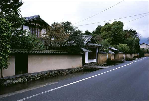 http://www.denken.gr.jp/photos/kamigamo_12.jpg