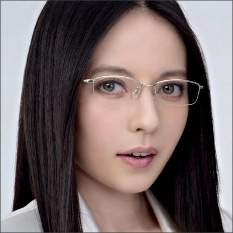 http://image-bankingf25.com/otakara/idol/201701/170127neta-idol04-e.jpg