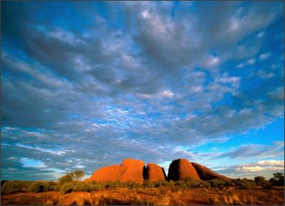 http://t.wallpaperweb.org/wallpaper/nature/1600x1200/Kata_Tjuta_Northern_Territory_Australia.jpg