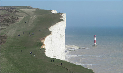 https://upload.wikimedia.org/wikipedia/commons/4/42/Beachy_Head_and_Lighthouse%2C_East_Sussex%2C_England_-_April_2010_crop_horizon_corrected.jpg