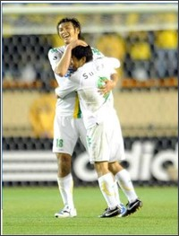 http://www.nikkansports.com/soccer/news/photonews_nsInc_p-sc-tp0-20090419-484697.html