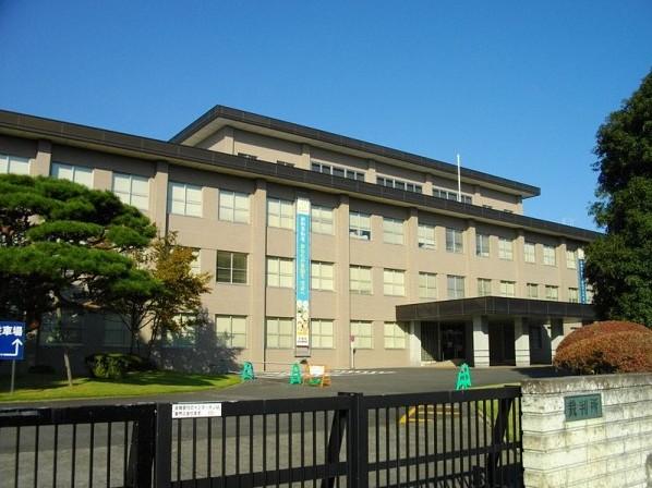 https://upload.wikimedia.org/wikipedia/commons/thumb/4/40/Utsunomiya_District_Court.JPG/800px-Utsunomiya_District_Court.JPG