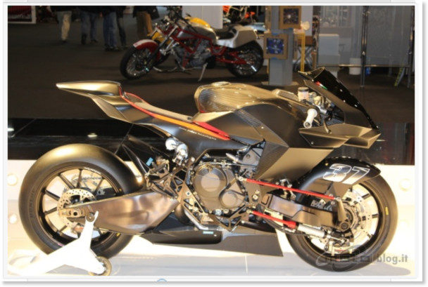 http://www.motoblog.it/galleria/vyrus-986-m2-live-al-motor-bike-expo-2011/3
