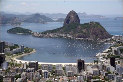 https://upload.wikimedia.org/wikipedia/commons/4/4c/Enseada_de_Botafogo_e_P%C3%A3o_de_A%C3%A7%C3%BAcar.jpg
