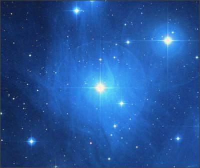 https://upload.wikimedia.org/wikipedia/commons/7/71/Maia_(star).jpg