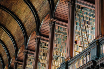 http://instaireland.ie/wp-content/uploads/2016/10/trinity-college-old-library-book-of-kells.jpg