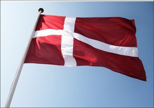 http://denmark.dk/en/~/media/Denmark/Images/Meet%20the%20danes/Traditions/danish-flag580.jpg?w=580&h=360&as=1
