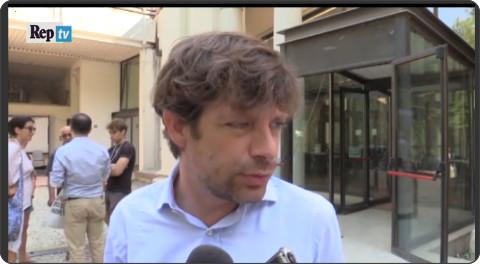 http://video.repubblica.it/politica/fisco-civati-rivoluzione-renzi-non-e-berlusconismo-renzi-e-berlusconi/207506?video=&ref=HREC1-1