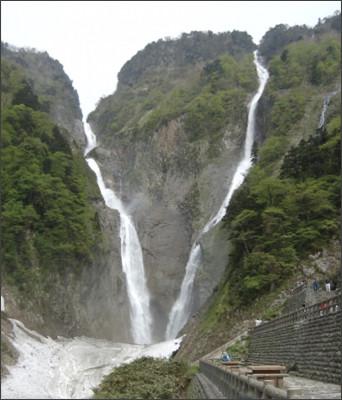 http://static.panoramio.com/photos/original/40778464.jpg