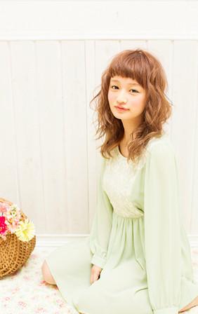http://www.loretta-jp.com/style/s_long/long_style09/