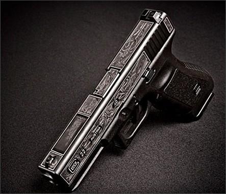 http://www.gunsholstersandgear.com/2011/12/14/statue-of-liberty-glock-auction/