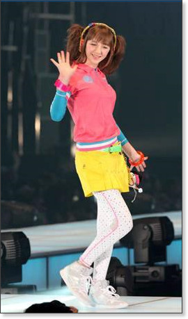 http://sankei.jp.msn.com/photos/entertainments/entertainers/100306/tnr1003061514005-p6.htm