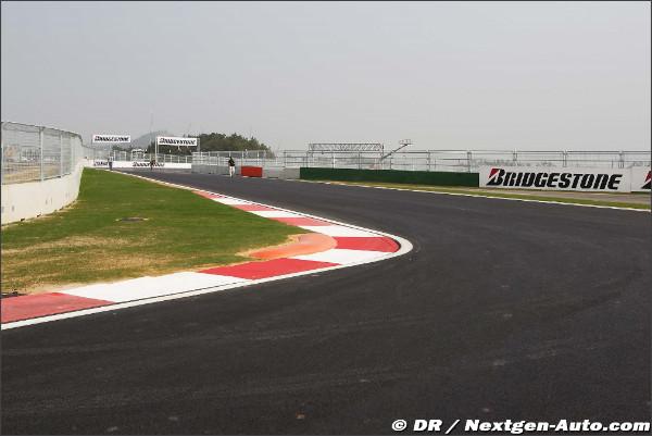 http://motorsport.nextgen-auto.com/gallery/pictures/2010/f1/gp-yeongam-22oct-1/159.jpg