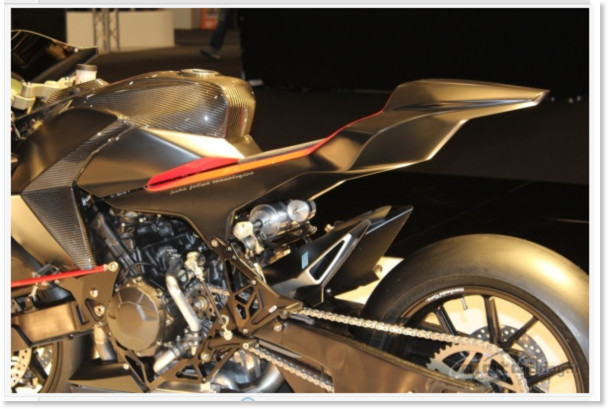 http://www.motoblog.it/galleria/vyrus-986-m2-live-al-motor-bike-expo-2011/8