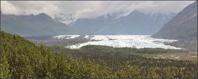 https://upload.wikimedia.org/wikipedia/commons/6/64/Matanuska_Glacier_8859s.JPG