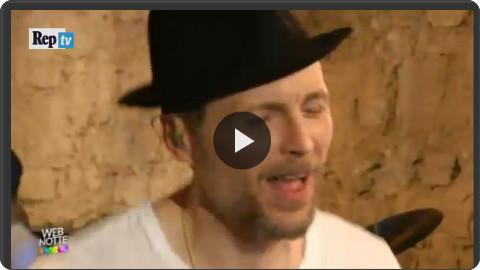 http://video.repubblica.it/rubriche/webnotte/webnotte-l-amore-disperato-di-jovanotti-omaggio-a-nada/197032?video=&ref=HREC1-38