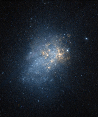 https://upload.wikimedia.org/wikipedia/commons/9/90/Ngc3738-hst-R658GB625.jpg