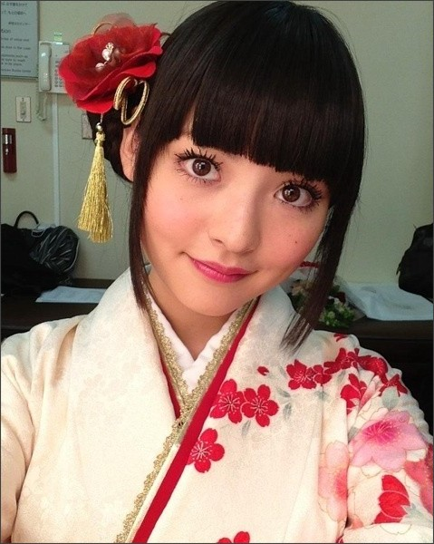 http://stat.ameba.jp/user_images/20130101/23/sumire-uesaka/7e/e1/j/o0480064012358618292.jpg