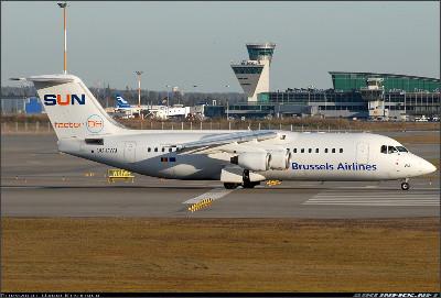 http://cdn-www.airliners.net/aviation-photos/photos/6/8/4/1208486.jpg