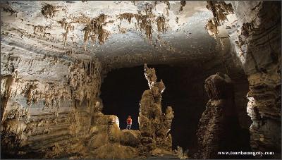 http://1.bp.blogspot.com/-VJx48_P-Dys/VWYH-DRozkI/AAAAAAAAFZ8/zlHygNlRO2g/s1600/Son-Doong-Cave.jpg