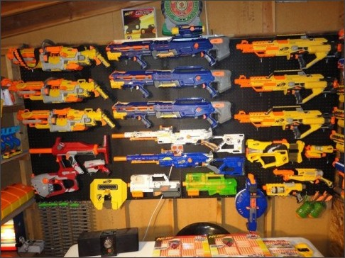 http://nerdapproved.com/wp-content/uploads/2012/12/Nerf-Gun-collection-5.jpg