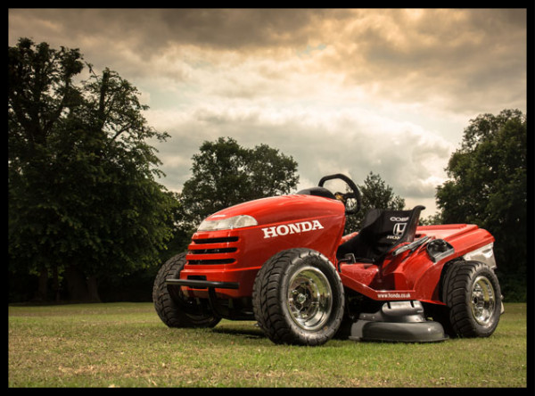 http://www.tuvie.com/honda-hf2620-lawn-tractor-worlds-fastest-lawn-mower-yet/