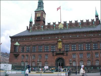 http://www.lares.dti.ne.jp/~tm230517/DTI_forFTP/Copenhagen_2010/CopenhagenCenter_2011_SANY0204.jpg