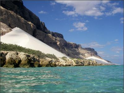 http://i1.trekearth.com/photos/116713/socotra_arher_dunes.jpg