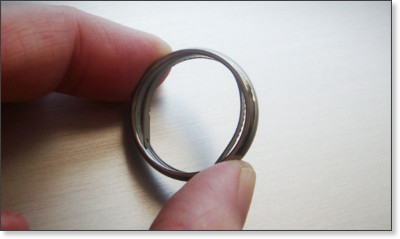 http://gearhungry.com/2013/03/titanium-escape-ring.html
