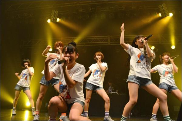 http://natalie.mu/music/gallery/show/news_id/115667/image_id/276500