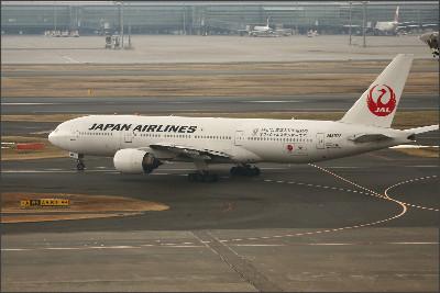 http://img.flyteam.jp/img/photo/000/572/459/JAL-JA8978-Boeing-777-289-572459_src_572459.jpg