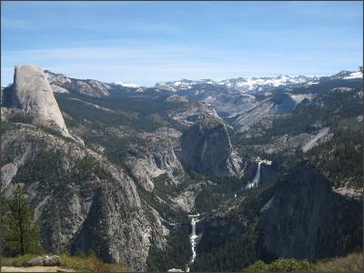 http://static.panoramio.com/photos/large/26379924.jpg