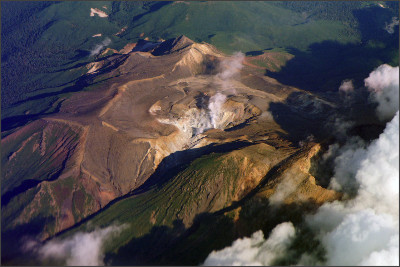 https://upload.wikimedia.org/wikipedia/commons/2/23/Mount_Meakan02s10.jpg