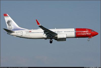 http://cdn-www.airliners.net/aviation-photos/photos/8/2/4/2259428.jpg