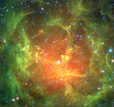 https://upload.wikimedia.org/wikipedia/commons/thumb/3/38/Trifid_Nebula.jpg/1024px-Trifid_Nebula.jpg