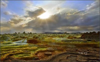 http://www.iorise.com/blog/wp-content/uploads/2012/12/Dallol-Ethiopia.jpg