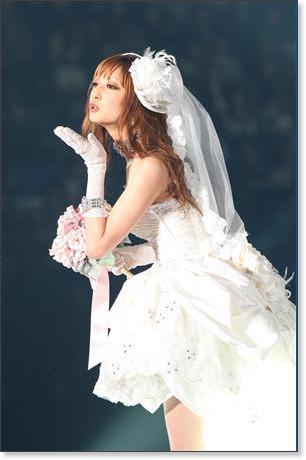 http://sankei.jp.msn.com/photos/entertainments/entertainers/100306/tnr1003061514005-p22.htm
