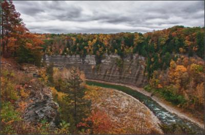 https://fulltimegypsies.files.wordpress.com/2013/10/genesee-river-gorge-2.jpg