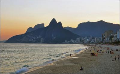 https://www.keteka.com/wp-content/uploads/2016/06/1_ipanema_beach_vidigal_sunset.jpg