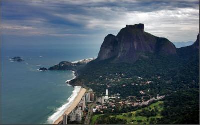 http://www.destinosdorio.com.br/images/stories/pedra_da_gavea/p19qucbd3fmt67al1sds15a61k835.jpg