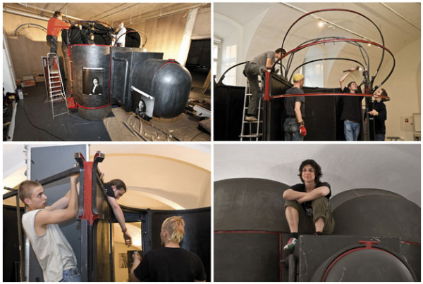 http://www.kickstarter.com/projects/1665987901/imagophotour-worlds-biggest-mobile-self-portrait-c