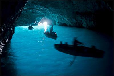 http://janfuscoe.com/wp-content/uploads/2012/11/blue-grotto-MANUELA.jpg