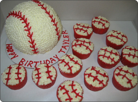 http://www.flickr.com/photos/cakecreationsbyshelly/4096564669/
