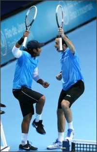 http://www.rediff.com/sports/report/paes-stepanek-in-semis-at-world-tour-finals/20121108.htm