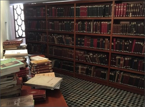 http://static5.businessinsider.com/image/57729791dd089531228b4bdd-1200/of-course-the-worlds-oldest-library-needs-a-dedicated-reading-room.jpg