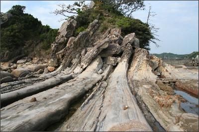 http://terra.sgu.ac.jp/geo_essay/2008/39Tatukushi/39_09.JPG