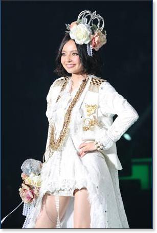 http://sankei.jp.msn.com/photos/entertainments/entertainers/100306/tnr1003061514005-p21.htm